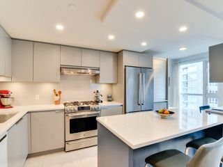"""Photo 6: 1601 560 CARDERO Street in Vancouver: Coal Harbour Condo for sale in """"THE AVILA"""" (Vancouver West)  : MLS®# R2351091"""