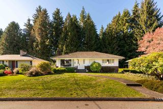 "Main Photo: 3581 BLUEBONNET Road in North Vancouver: Edgemont House for sale in ""Edgemont"" : MLS®# R2351648"