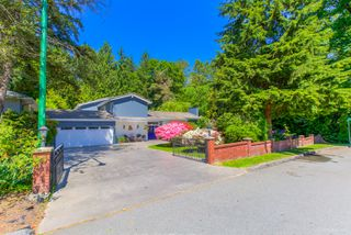 "Photo 2: 7789 KENTWOOD Street in Burnaby: Government Road House for sale in ""Government Road Area"" (Burnaby North)  : MLS®# R2352924"
