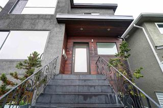 "Photo 2: 4673 FRASER Street in Vancouver: Fraser VE House for sale in ""FRASER"" (Vancouver East)  : MLS®# R2355078"