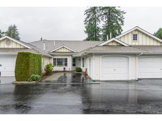 """Photo 2: 102 20655 88 Avenue in Langley: Walnut Grove Townhouse for sale in """"Twin Lakes"""" : MLS®# R2355122"""