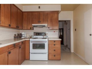 Photo 15: 2765 NANAIMO STREET in Vancouver East: Home for sale : MLS®# V1141570