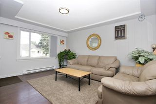 Photo 3: 9741 YOUNG Road in Chilliwack: Chilliwack N Yale-Well House for sale : MLS®# R2382240