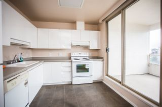 Photo 2: 1100 4830 BENNETT Street in Burnaby: Metrotown Condo for sale (Burnaby South)  : MLS®# R2383691