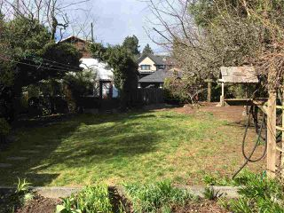 Photo 2: 508 EAST 10TH Street in North Vancouver: Boulevard House for sale : MLS®# R2384073