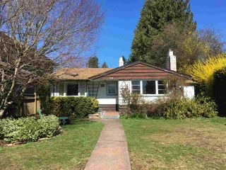Photo 1: 508 EAST 10TH Street in North Vancouver: Boulevard House for sale : MLS®# R2384073