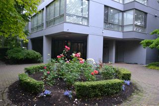 """Photo 1: 1002 2115 W 40TH Avenue in Vancouver: Kerrisdale Condo for sale in """"THE REGENCY"""" (Vancouver West)  : MLS®# R2386272"""