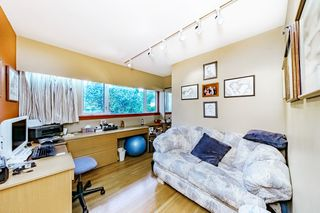 "Photo 19: 8755 CREST Drive in Burnaby: The Crest House for sale in ""Cariboo-Cumberland"" (Burnaby East)  : MLS®# R2396687"