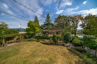 "Photo 28: 8755 CREST Drive in Burnaby: The Crest House for sale in ""Cariboo-Cumberland"" (Burnaby East)  : MLS®# R2396687"