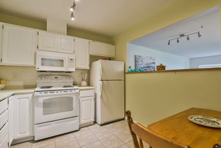 "Photo 3: 106 14950 THRIFT Avenue: White Rock Condo for sale in ""Monteray"" (South Surrey White Rock)  : MLS®# R2405198"