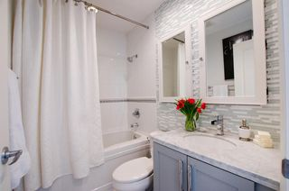 Photo 14: 405 2181 WEST 12TH AVENUE in Carlings: Home for sale