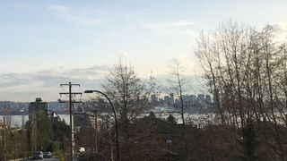 "Photo 15: 208 717 CHESTERFIELD Avenue in North Vancouver: Central Lonsdale Condo for sale in ""QUEEN MARY"" : MLS®# R2447588"