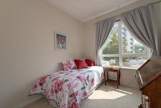 "Photo 11: 208 717 CHESTERFIELD Avenue in North Vancouver: Central Lonsdale Condo for sale in ""QUEEN MARY"" : MLS®# R2447588"