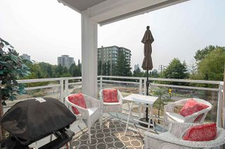 "Photo 8: 208 717 CHESTERFIELD Avenue in North Vancouver: Central Lonsdale Condo for sale in ""QUEEN MARY"" : MLS®# R2447588"