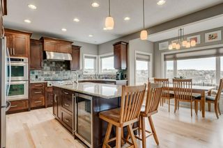 Photo 3: 38 Elmont Estates Manor SW in Calgary: Springbank Hill Detached for sale : MLS®# C4293332