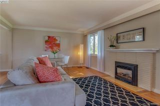 Photo 3: 3901 Stamboul St in VICTORIA: SE Mt Tolmie House for sale (Saanich East)  : MLS®# 841006