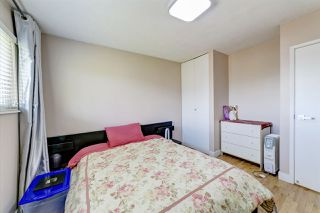 Photo 11: 1903 COMO LAKE Avenue in Coquitlam: Harbour Place House for sale : MLS®# R2463988