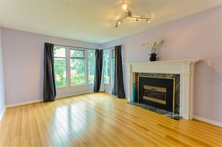 Photo 2: 204 ALLARD Street in Coquitlam: Maillardville House 1/2 Duplex for sale : MLS®# R2475868