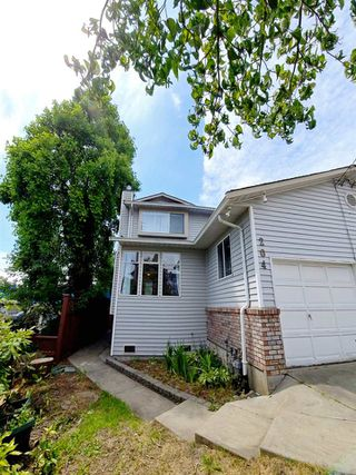 Photo 25: 204 ALLARD Street in Coquitlam: Maillardville House 1/2 Duplex for sale : MLS®# R2475868