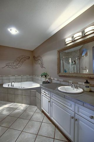 Photo 18: 305 Lakeside Greens Crescent: Chestermere Detached for sale : MLS®# A1036739
