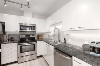 "Photo 9: 1910 1367 ALBERNI Street in Vancouver: West End VW Condo for sale in ""The Lions"" (Vancouver West)  : MLS®# R2508208"