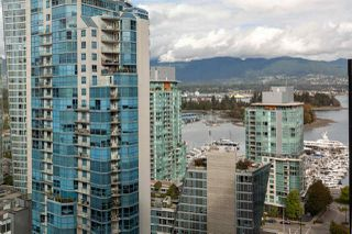 "Photo 2: 1910 1367 ALBERNI Street in Vancouver: West End VW Condo for sale in ""The Lions"" (Vancouver West)  : MLS®# R2508208"