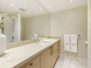 """Photo 6: 506 1833 CROWE Street in Vancouver: False Creek Condo for sale in """"The Foundry"""" (Vancouver West)  : MLS®# R2513678"""