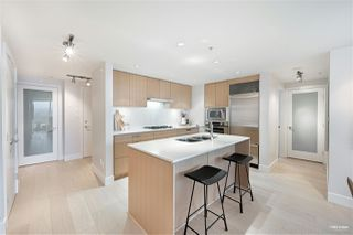 "Main Photo: 701 1675 W 8TH Avenue in Vancouver: Fairview VW Condo for sale in ""Camera"" (Vancouver West)  : MLS®# R2530414"
