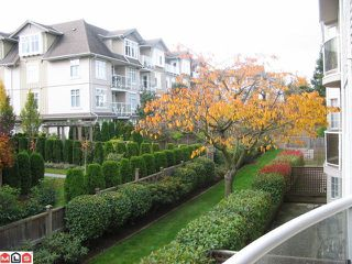 Photo 10: 203 15338 18TH Avenue in Surrey: King George Corridor Condo for sale (South Surrey White Rock)  : MLS®# F1027192