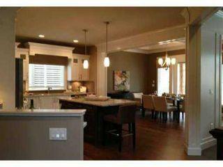 Main Photo: : House for sale : MLS®# v989462