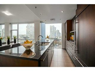 """Photo 8: 805 1455 HOWE Street in Vancouver: Yaletown Condo for sale in """"POMARIA"""" (Vancouver West)  : MLS®# V1059376"""