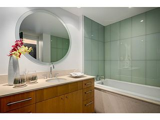 """Photo 15: 805 1455 HOWE Street in Vancouver: Yaletown Condo for sale in """"POMARIA"""" (Vancouver West)  : MLS®# V1059376"""