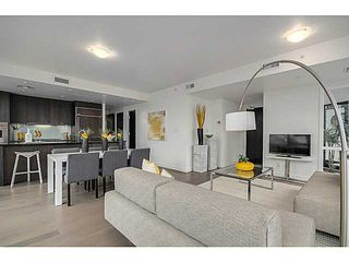 """Photo 4: 805 1455 HOWE Street in Vancouver: Yaletown Condo for sale in """"POMARIA"""" (Vancouver West)  : MLS®# V1059376"""