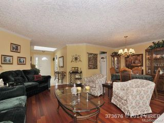 Photo 2: 781 Country Club Dr in COBBLE HILL: ML Cobble Hill House for sale (Malahat & Area)  : MLS®# 669607