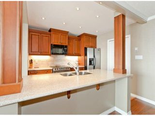 "Photo 9: 305 15025 VICTORIA Avenue: White Rock Condo for sale in ""Victoria Terrace"" (South Surrey White Rock)  : MLS®# F1412030"