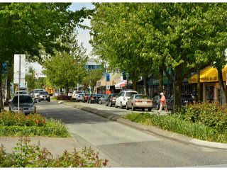 "Photo 15: 1907 15152 RUSSELL Avenue: White Rock Condo for sale in ""Miramar"" (South Surrey White Rock)  : MLS®# F1412328"