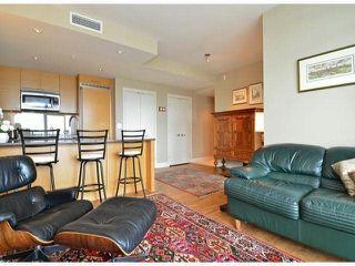 "Photo 8: 1907 15152 RUSSELL Avenue: White Rock Condo for sale in ""Miramar"" (South Surrey White Rock)  : MLS®# F1412328"