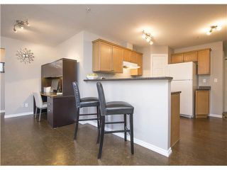 Photo 5: 101 1110 17 Street SW in Calgary: Sunalta Condo for sale : MLS®# C3656003