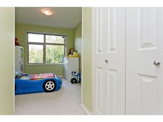 Photo 8: 303 300 KLAHANIE Drive in Port Moody: Port Moody Centre Home for sale ()  : MLS®# V970097