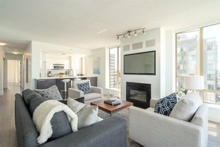 "Photo 4: 901 1405 W 12TH Avenue in Vancouver: Fairview VW Condo for sale in ""THE WARRENTON"" (Vancouver West)  : MLS®# R2053078"