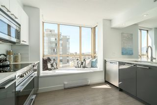 """Photo 9: 901 1405 W 12TH Avenue in Vancouver: Fairview VW Condo for sale in """"THE WARRENTON"""" (Vancouver West)  : MLS®# R2053078"""