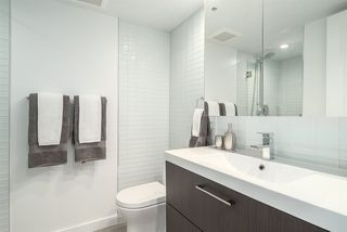 "Photo 11: 901 1405 W 12TH Avenue in Vancouver: Fairview VW Condo for sale in ""THE WARRENTON"" (Vancouver West)  : MLS®# R2053078"
