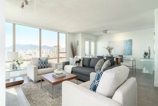 "Photo 2: 901 1405 W 12TH Avenue in Vancouver: Fairview VW Condo for sale in ""THE WARRENTON"" (Vancouver West)  : MLS®# R2053078"