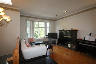 Photo 4: 1185 LILLOOET Street in Vancouver: Renfrew VE House for sale (Vancouver East)  : MLS®# R2068673