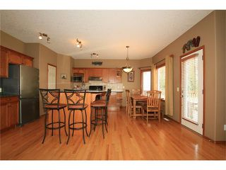 Photo 8: 18 WEST POINTE Manor: Cochrane House for sale : MLS®# C4072318