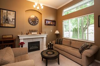Photo 2: 19127 DOERKSEN Drive in Pitt Meadows: Central Meadows House for sale : MLS®# R2098711