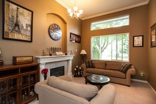 Photo 3: 19127 DOERKSEN Drive in Pitt Meadows: Central Meadows House for sale : MLS®# R2098711