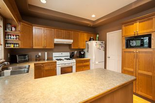 Photo 8: 19127 DOERKSEN Drive in Pitt Meadows: Central Meadows House for sale : MLS®# R2098711