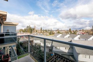 """Photo 18: 405 19936 56 Avenue in Langley: Langley City Condo for sale in """"BEARING POINTE"""" : MLS®# R2143916"""