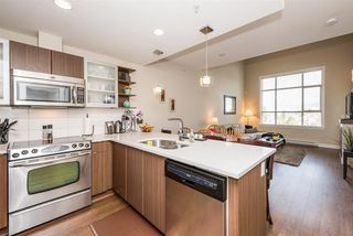 """Photo 10: 405 19936 56 Avenue in Langley: Langley City Condo for sale in """"BEARING POINTE"""" : MLS®# R2143916"""